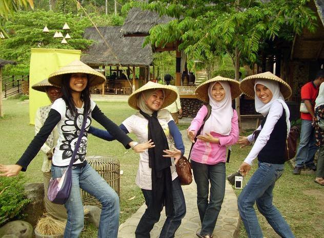 Gadis-Sunda-Wannabe